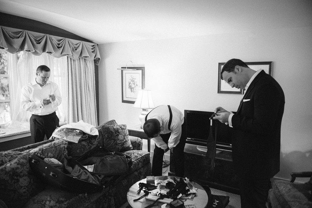 NH Wedding Photographer: groom getting ready