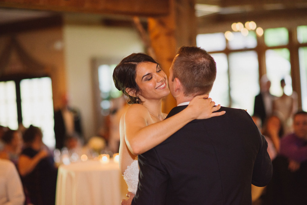 NH Wedding Photographer: couple's first dance