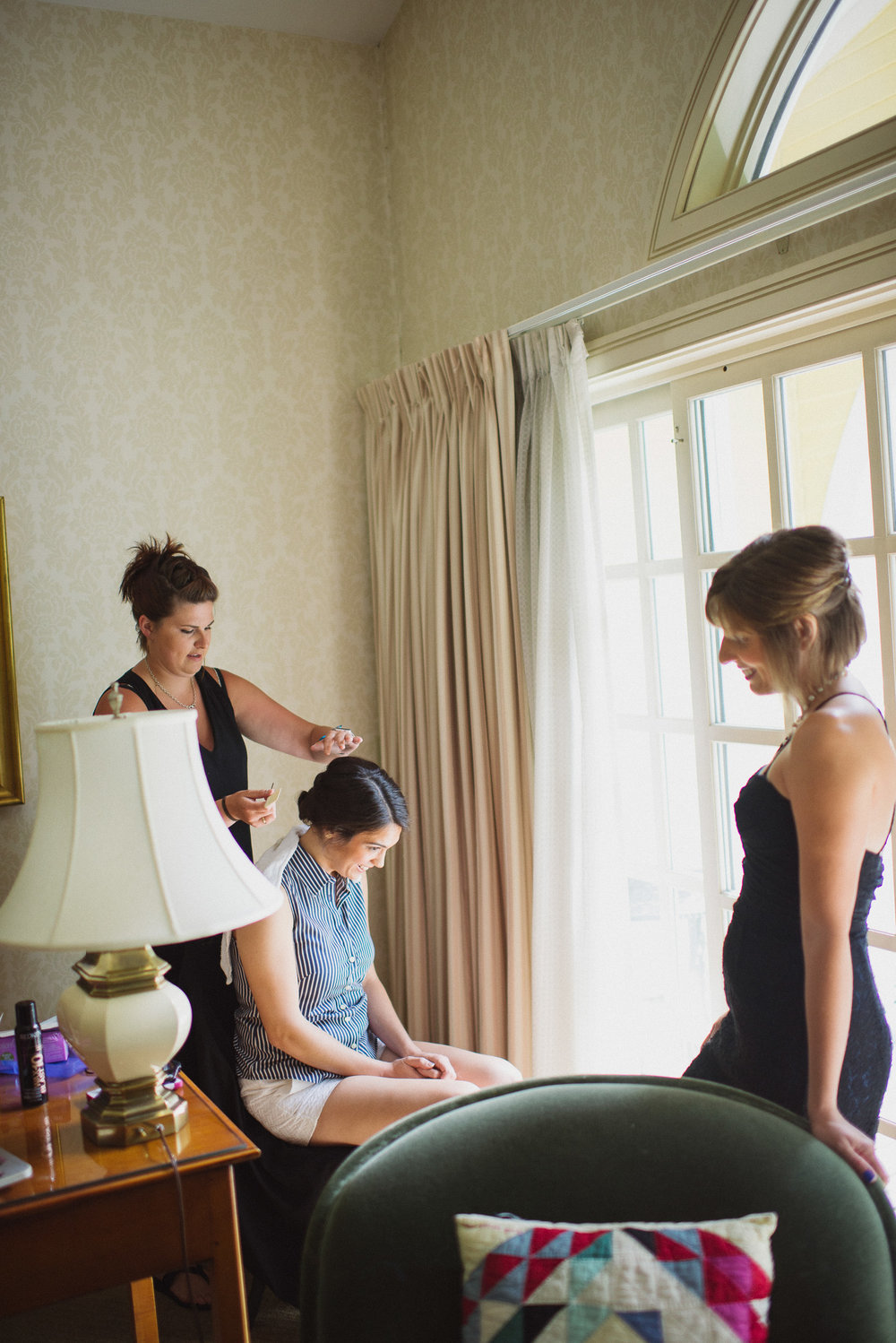 NH Wedding Photography: bride getting ready