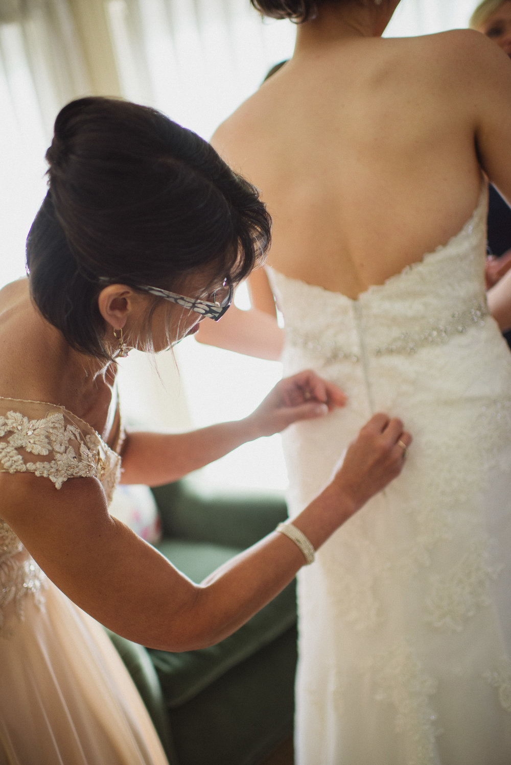 NH Wedding Photography: mother helping daughter