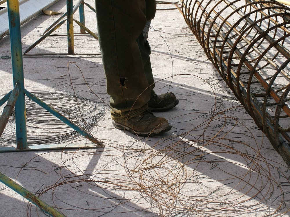 loose-tying-wire-trip-hazard-waste.JPG