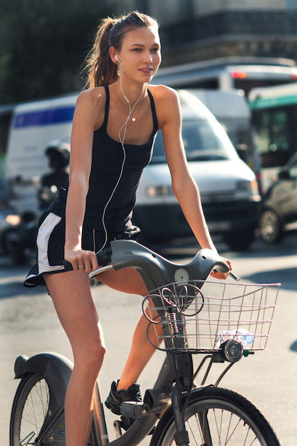 Karlie Kloss goes Cycling to Complete her Rountie
