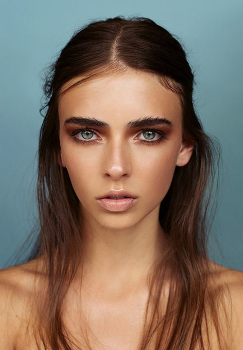 6. Learn how to apply make up to fill your brows. This will require buying the correct products and a make up artist's advice.