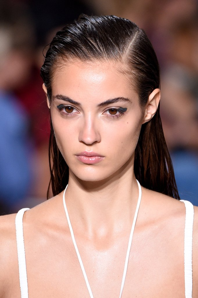 Jason Wu: Side parted wet hair effect