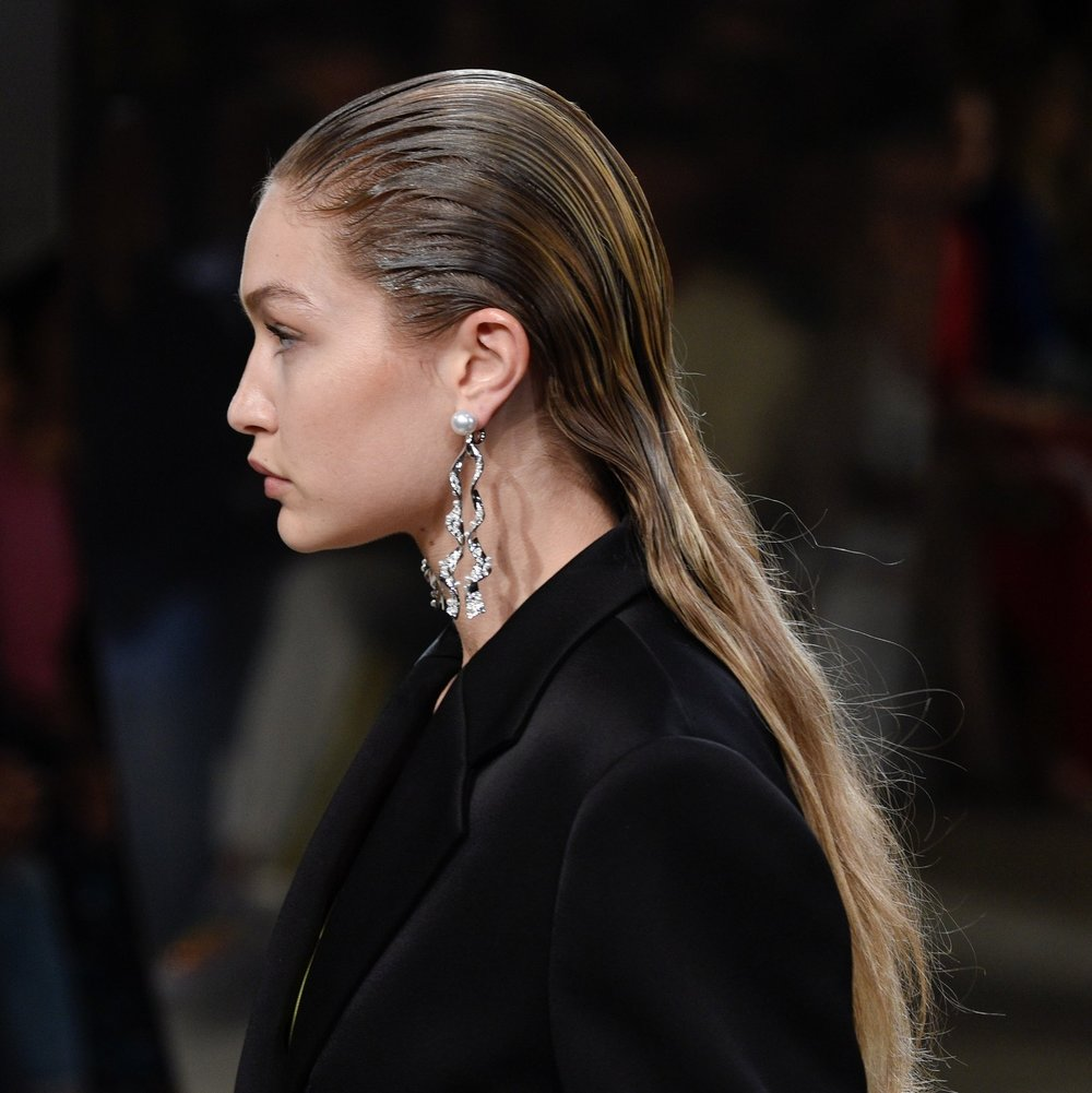 Prabal Gurung: Wet hair Effect