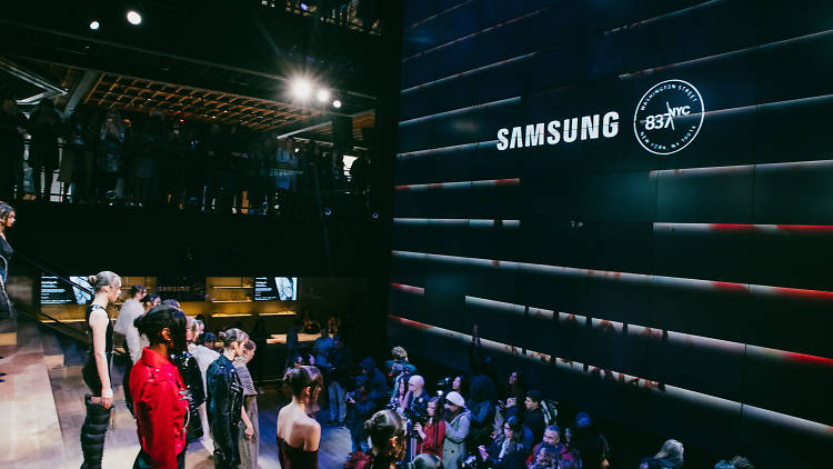 NYFW: Style Dimension. Get to know all about the emerging fashion trends and techs thanks to Samsung 837.