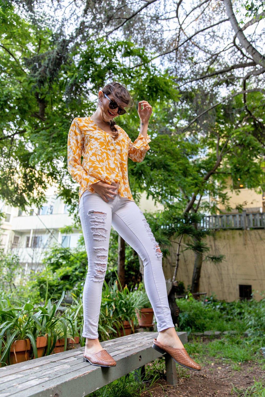 White Jeans and Between Ten Top via Que Sera Sahra