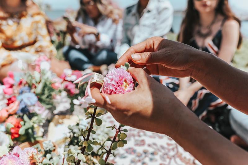 Handmade live flower earrings - jewelry for sustainability