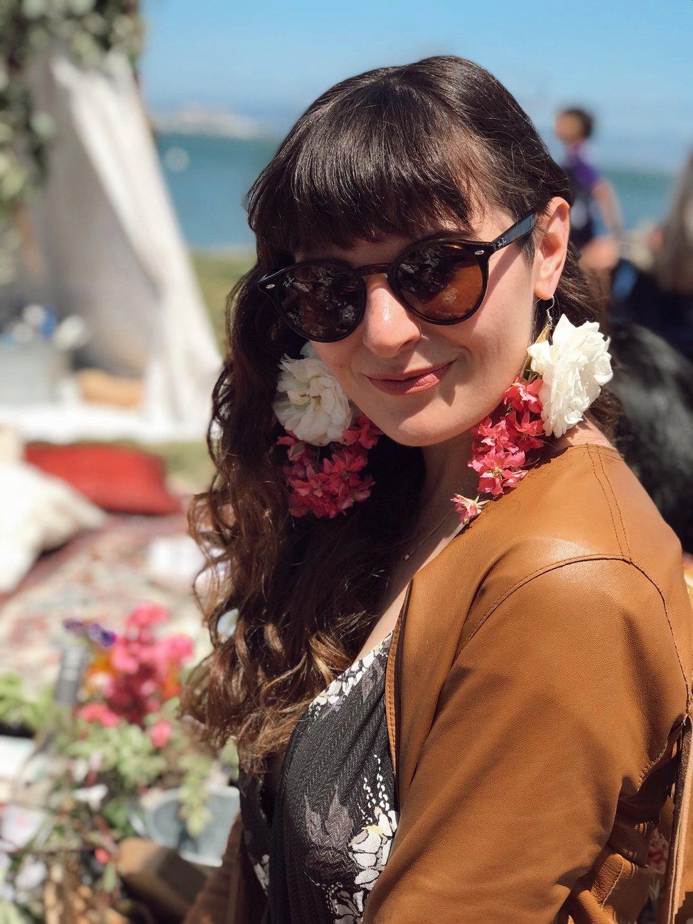 handmade live flower earrings - sustainably blogging