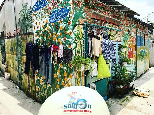 Saigon Extravaganza takes you to every off-the-beaten-track place in Saigon. #instagramtour . . . . #saigonextravaganza #vietnam #saigon #hcmc #hcmcity #vietnamese #vietnamtravel #travelblogger #digitalnomad #lovetotravel #passionpassport #lifewelltravelled #travelbug #travellife #travelgram #exploringtheglobe #globetrotter #travel #instatravel #wheninnam #passportready#foodtour #foodcoma #motorbiketours #motorbikefoodtours