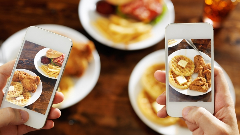 20150720171309-take-a-picture-of-food-smart-phone.jpg