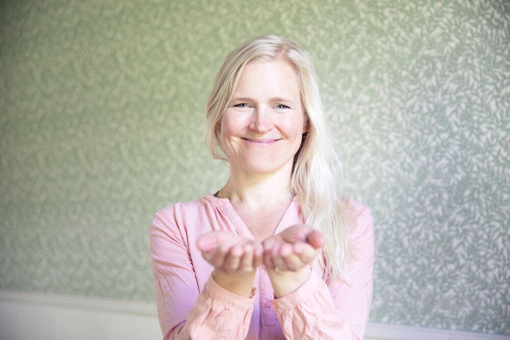 Kaisa Kärkkäinen, Heartful Yoga, Lempeyden joogaa, Heartful Yoga Academy