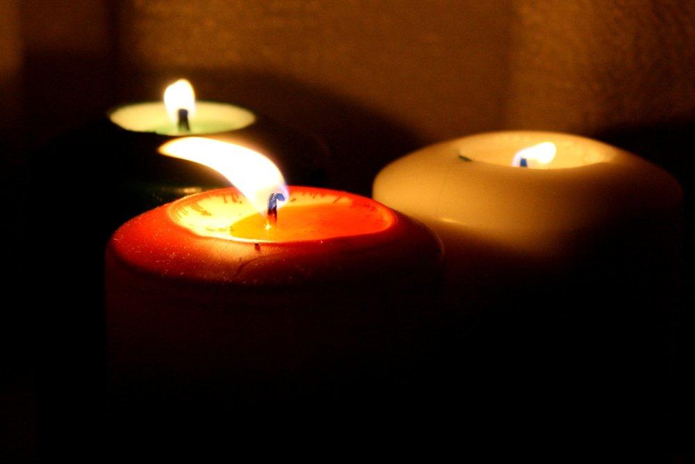 three_burning_candles.jpg