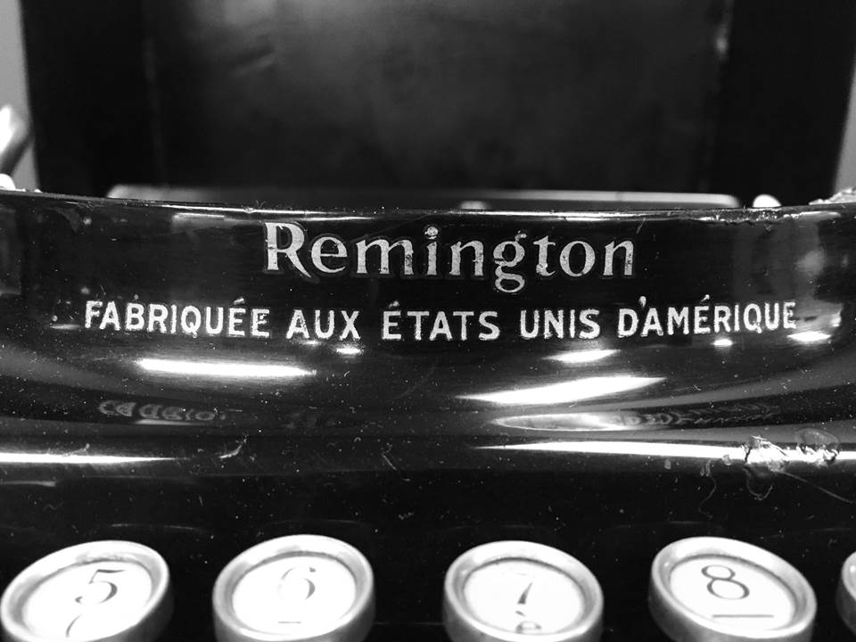 Remington 1391 Portable V392819 - 2.jpg