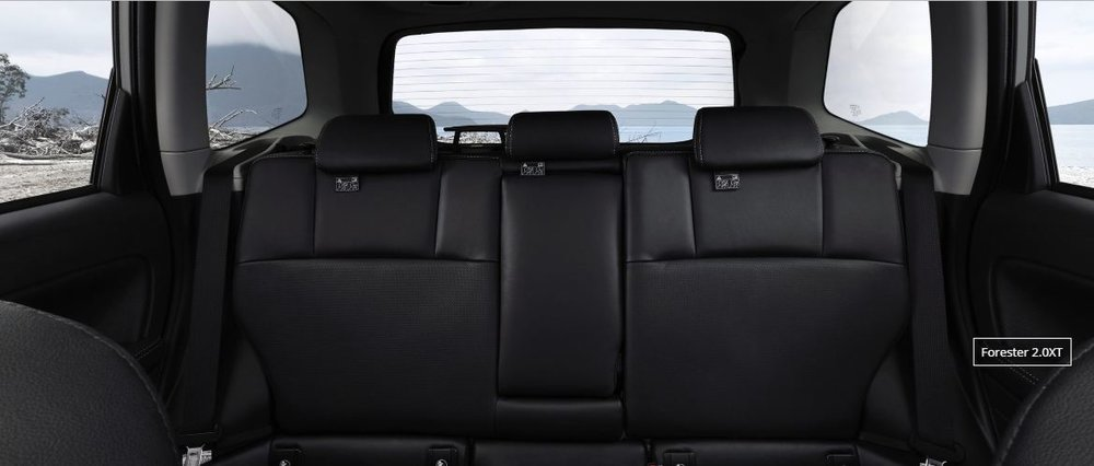 xe-suabru-forester-interior-back.JPG