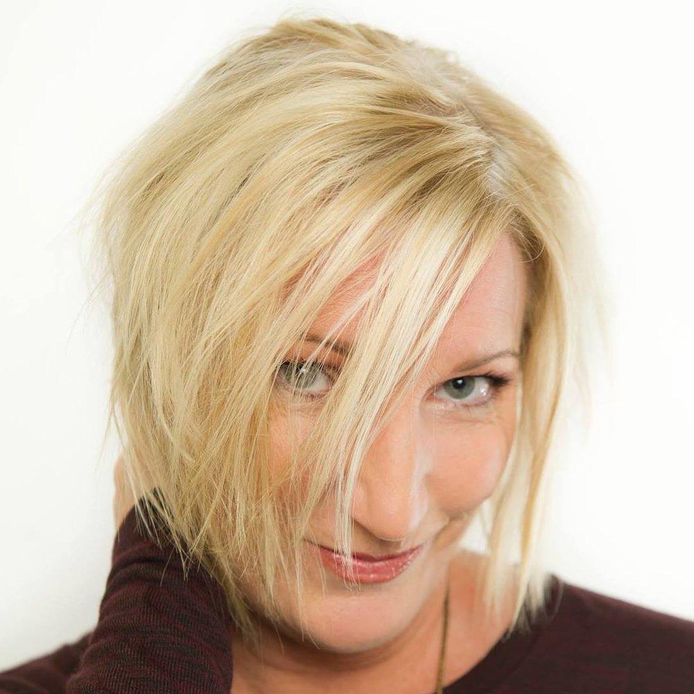 Headshot Lisa Ray.jpg