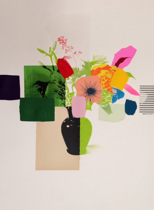 Kahn Gallery Paper Bouquet Green And Black Vase