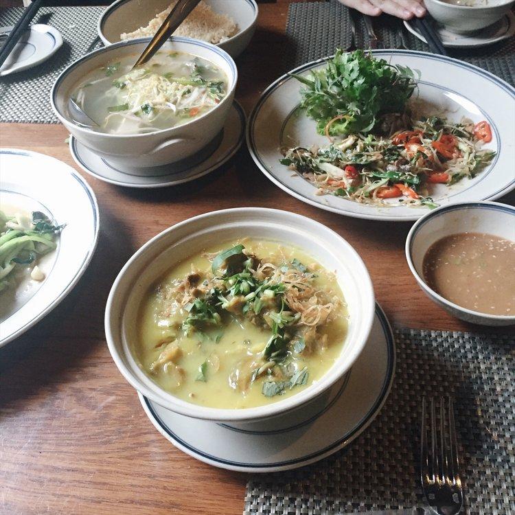 Dê nấu mẻ ở Emeralda Ninh Bình
