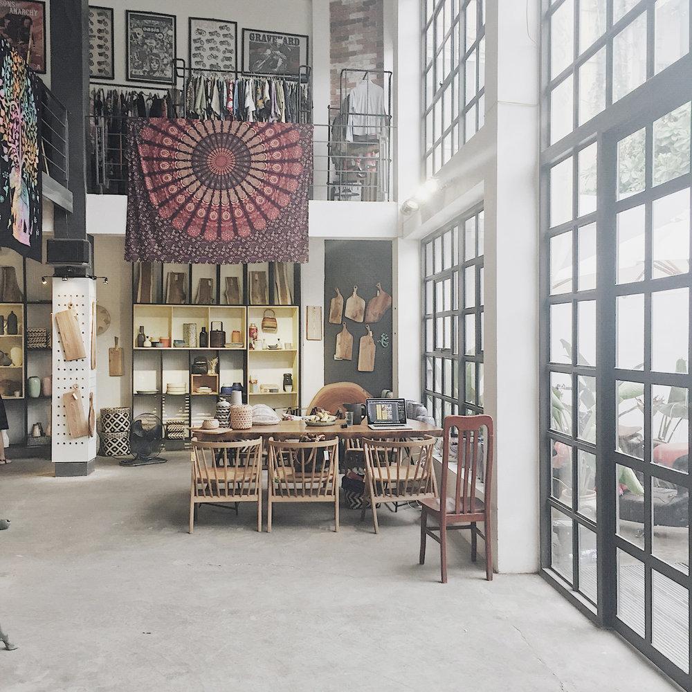 Hình thực tế cửa hàng Dreamer 1 A Âu Cơ