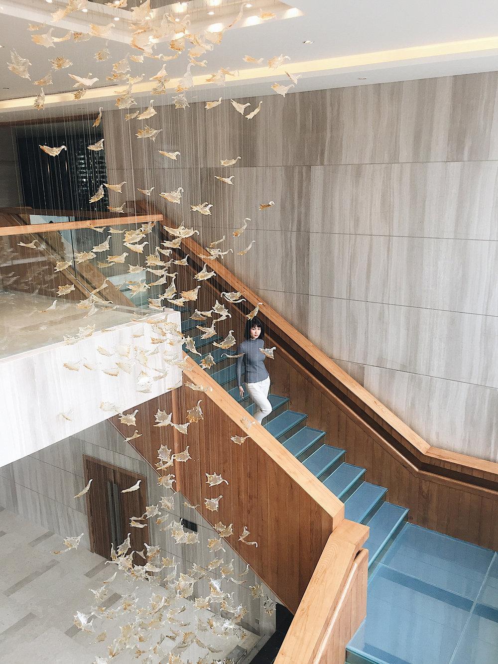 Cầu thang tới sảnh khu vực hội nghị