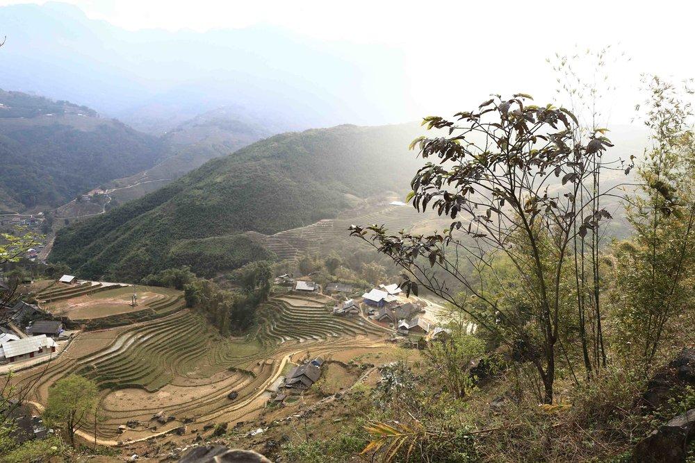 Thung lũng Mường Hoa từ trên cao nhìn xuống, đẹp đến nao lòng...