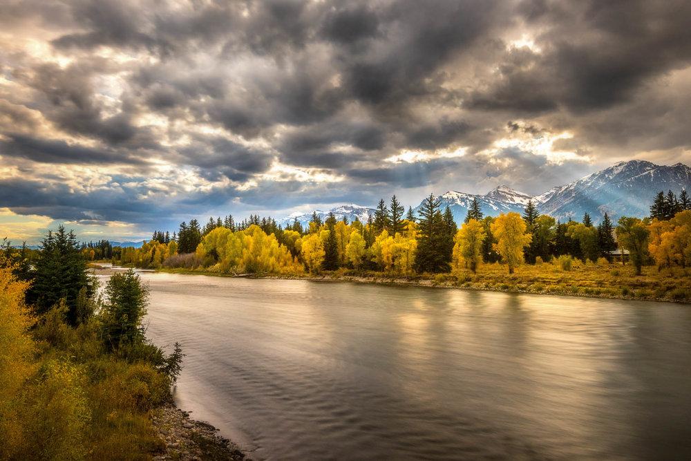 Snake River fall sun rays.jpg