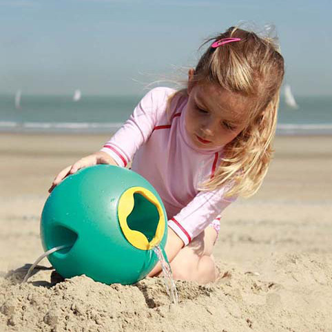Best beach toys for kids and toddlers - Kids beach bucket - sunfuncrew.com