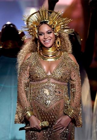 Beyonce-Grammys-performance-828451.jpg