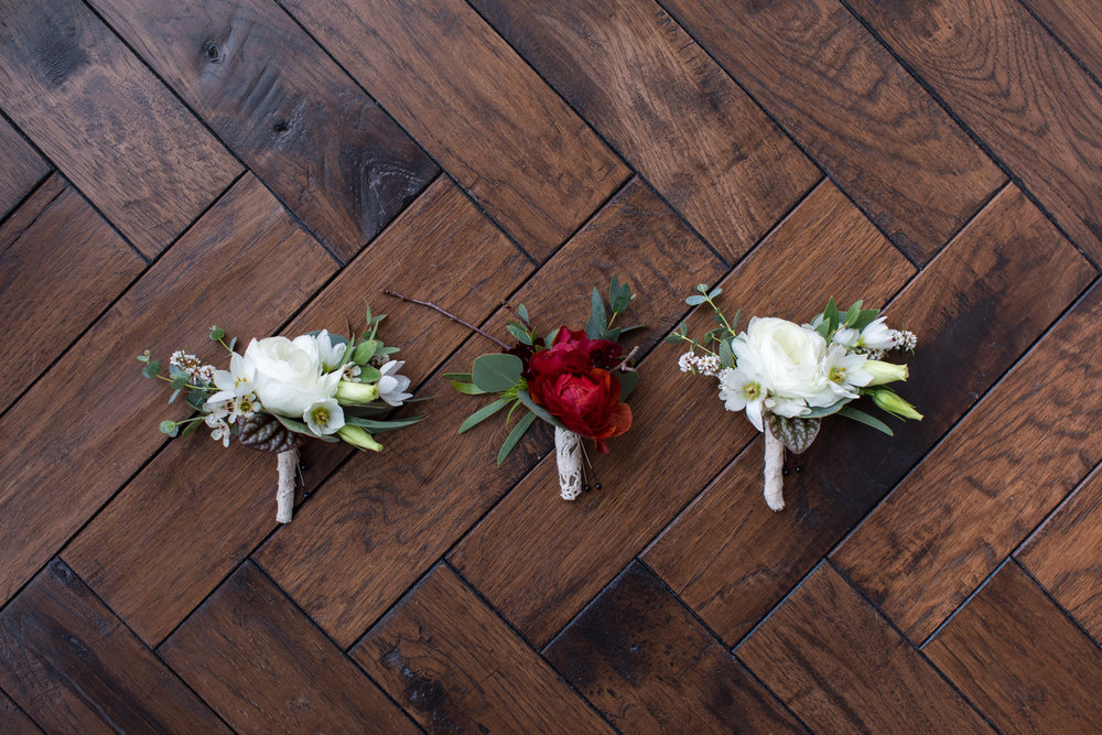 Midwest wedding photographer - Corsage