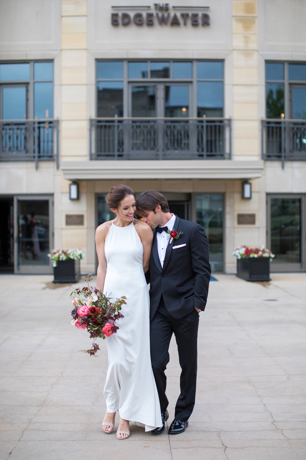 Midwest wedding photographer - first look