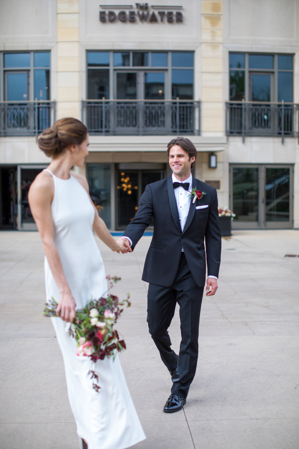 Midwest wedding photographer - first look 3
