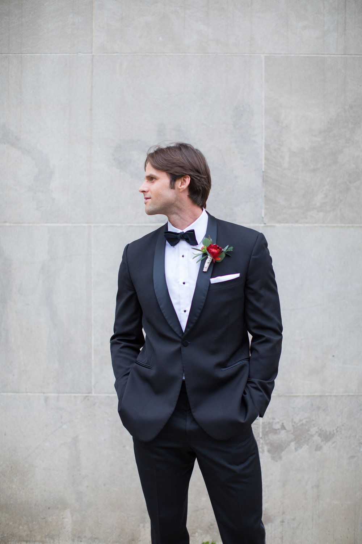 Midwest wedding photographer - groom 3