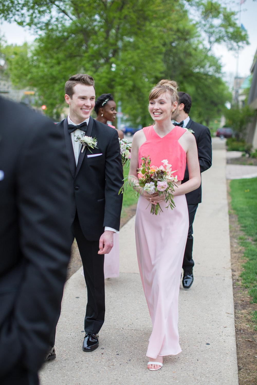 Midwest wedding photographer - aisle