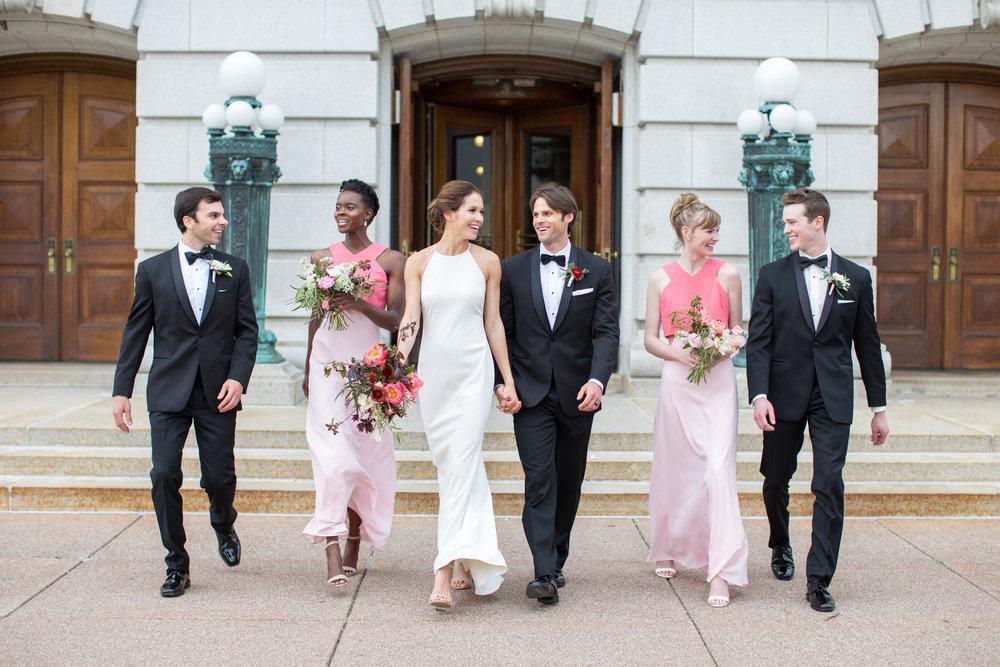 Midwest wedding photographer - aisle 3
