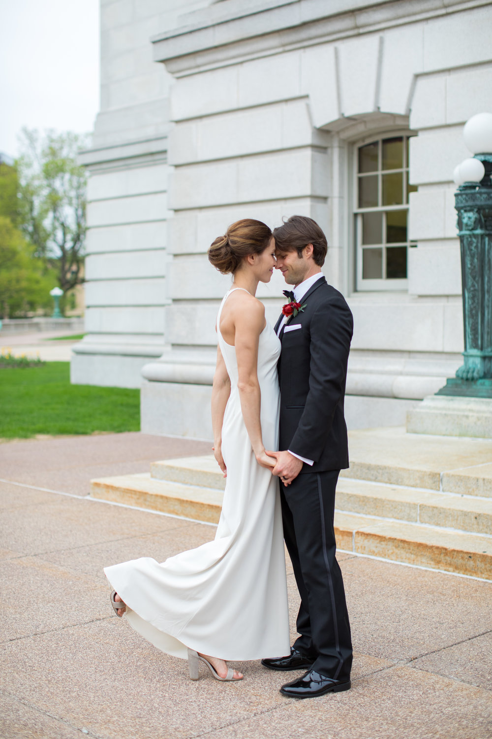 Midwest wedding photographer - first look 5