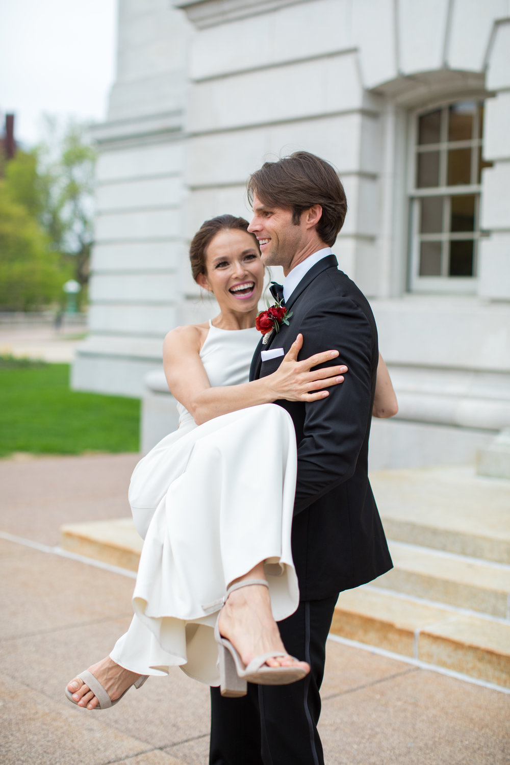 Midwest wedding photographer - first look 6