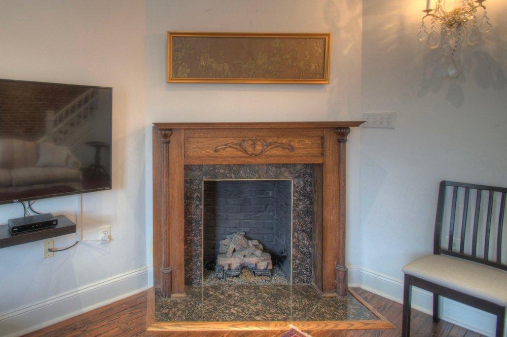 Living Room e.jpg