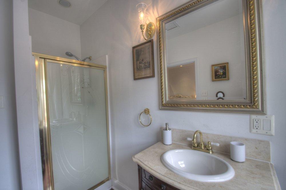Masterbathroom a.jpg