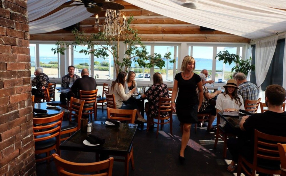 Photo of the beautiful dining room within the Washington Avenue Grill courtesy of  604now .