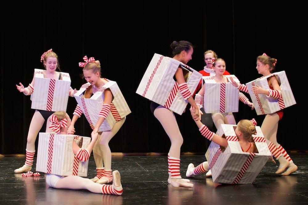 Karin Hobby Dance Academy - Intermediate Ballet December Dances
