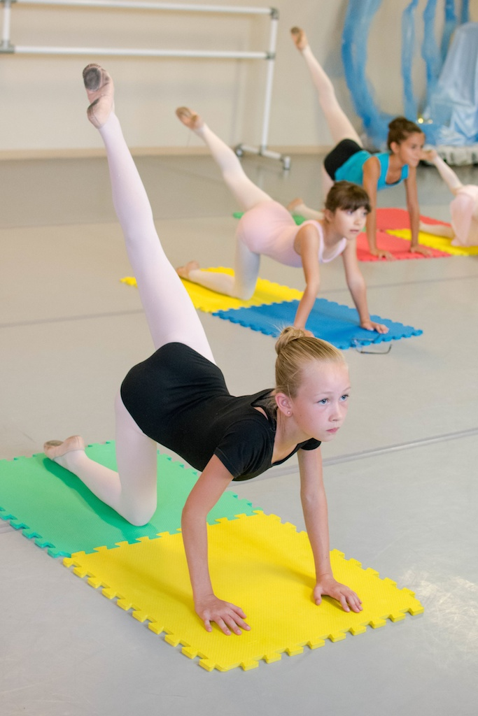 Karin Hobby Dance Academy - Dancer Conditioning