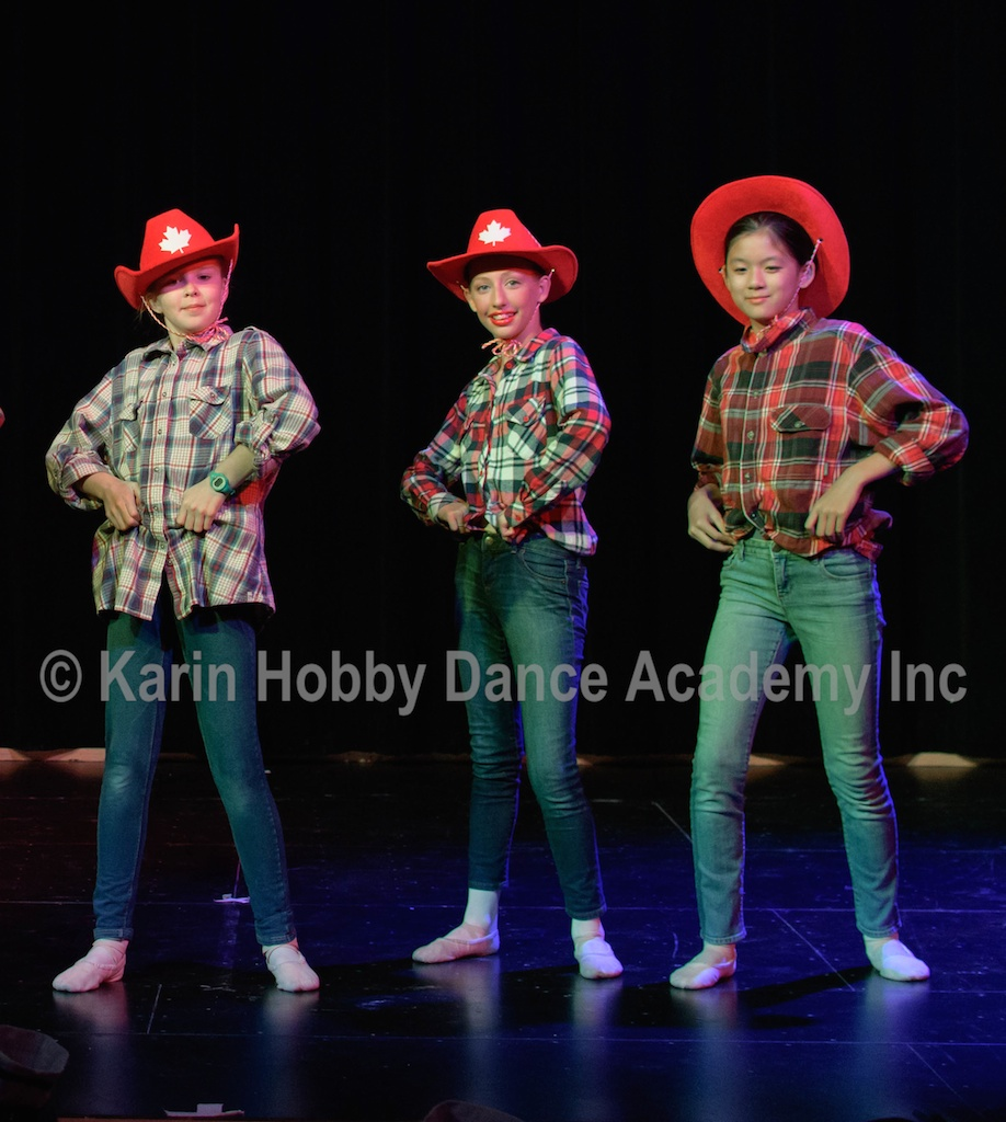 KHDANCE_All_Aboard_On_Stage_2017_089.jpg