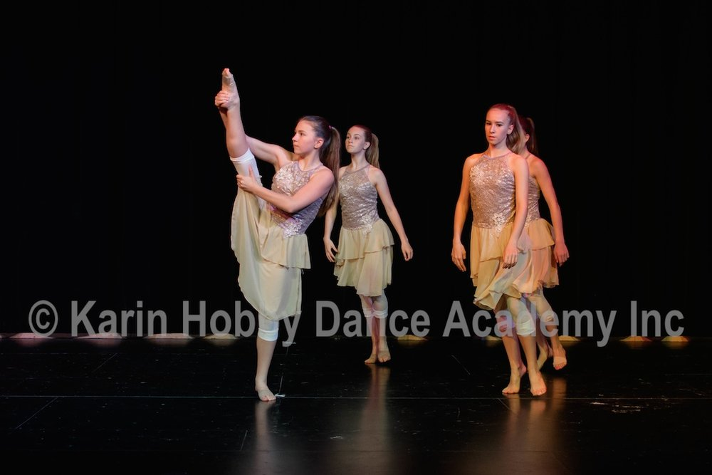 KHDANCE_All_Aboard_On_Stage_2017_075.jpg