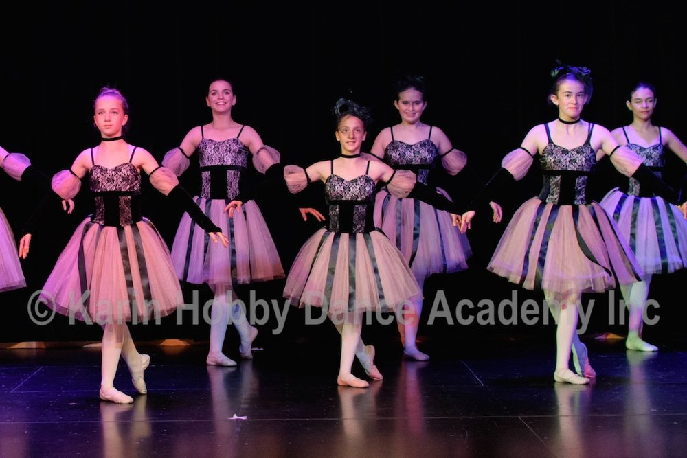 KHDANCE_All_Aboard_On_Stage_2017_059.jpg
