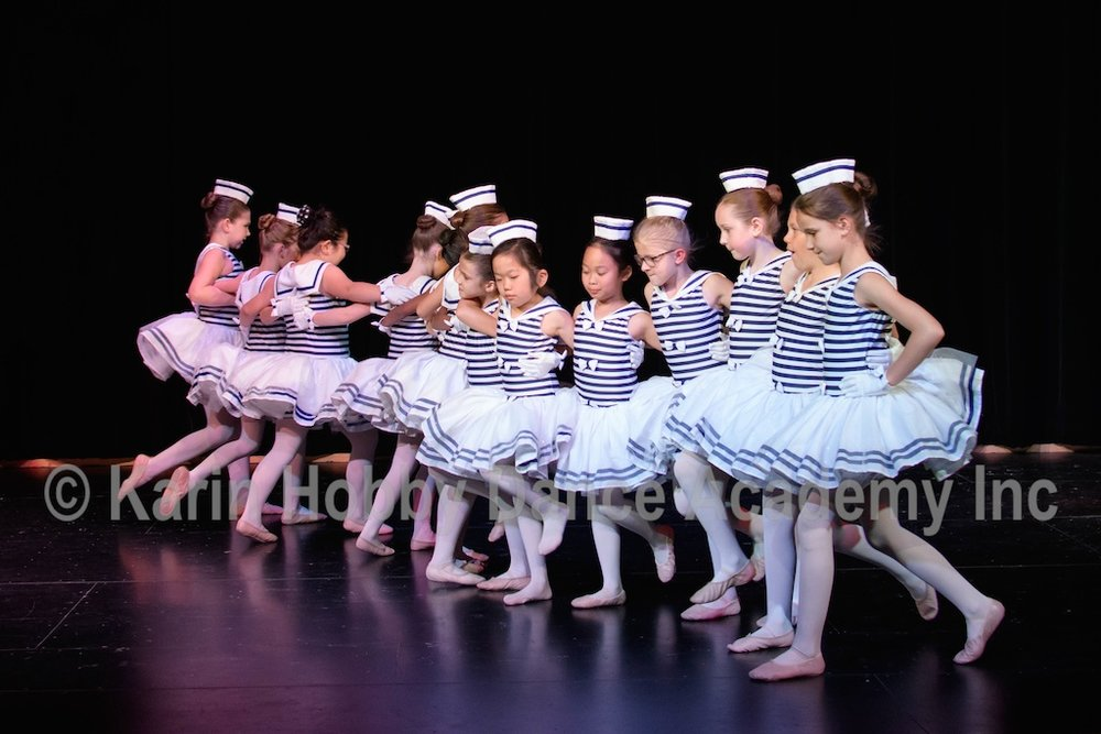 KHDANCE_All_Aboard_On_Stage_2017_034.jpg