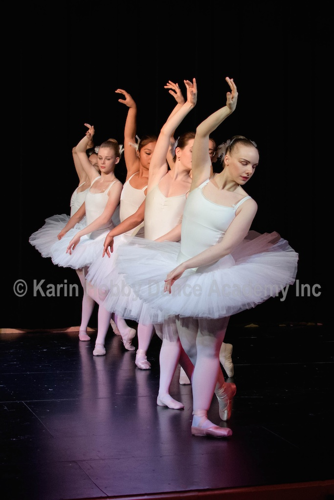 KHDANCE_All_Aboard_On_Stage_2017_030.jpg