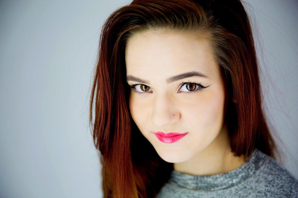 EmilyBlythe-Headshot.jpg
