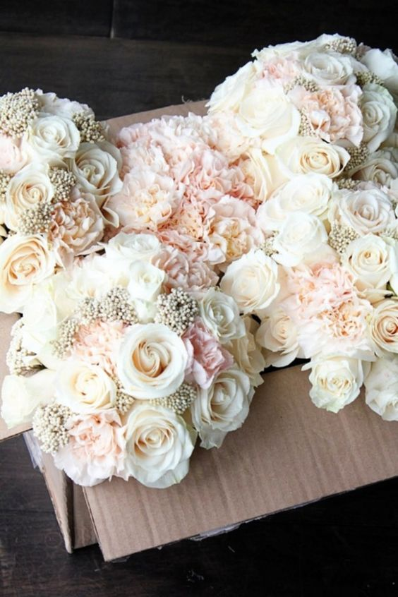 Carnation Bouquets. Pinterest. Blogueluxe.