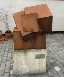 Skulptur ved Havnevej i Hornbæk. 2012