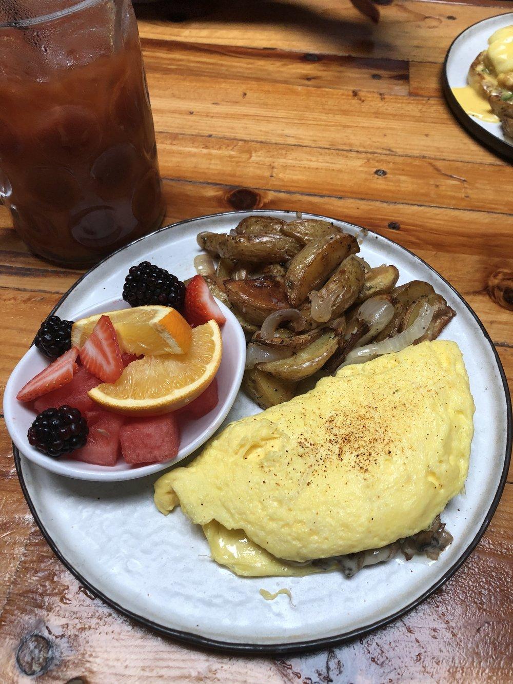 Mmmmmm rosemary breakfast potatoes and a great veggie omelet